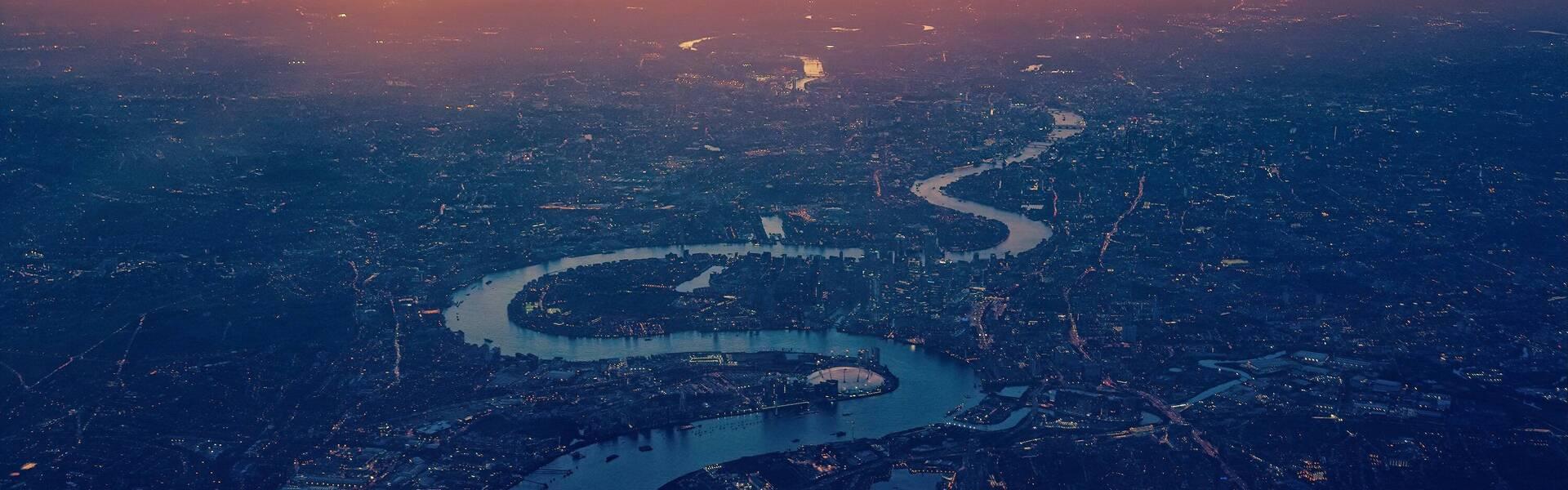 https://d337pdvlg6sju5.cloudfront.net/media/images/properties/united-kingdom/london/strand-palace/offers/pexels-johannes-plenio-1637907_501_1920x600.jpg